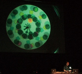 「SightSound-Phenakistoscope-」/ メディアパフォーマンス作品 / 2006「Nime06」(パリ)での公演より